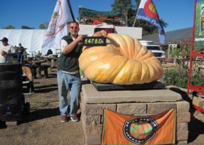 Jareds-Pumpkin-Weigh-In-2013-035-600x450